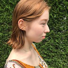 アッシュベージュ ハイトーン ボブ アンニュイほつれヘア ヘアスタイルや髪型の写真・画像