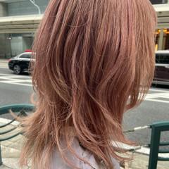 ミディアム レイヤーカット ブリーチ ブリーチカラー ヘアスタイルや髪型の写真・画像