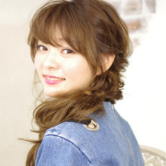 簡単ヘアアレンジ ピュア パーマ ハーフアップ ヘアスタイルや髪型の写真・画像