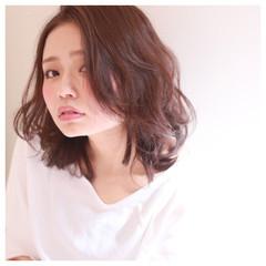 フェミニン ガーリー ピュア 前髪あり ヘアスタイルや髪型の写真・画像