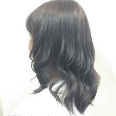 アッシュ ミディアム グラデーションカラー 暗髪 ヘアスタイルや髪型の写真・画像