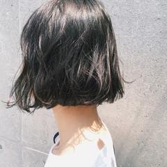 大人かわいい ブラントカット 切りっぱなし 前下がり ヘアスタイルや髪型の写真・画像
