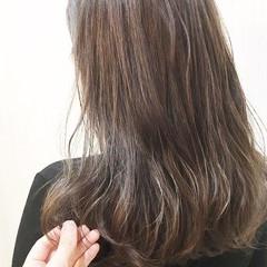 透明感カラー フェミニン 髪質改善トリートメント イルミナカラー ヘアスタイルや髪型の写真・画像