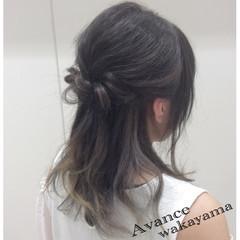 インナーカラー イルミナカラー ハーフアップ ミディアム ヘアスタイルや髪型の写真・画像