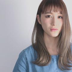 ワイドバング グラデーションカラー 外ハネ 前髪あり ヘアスタイルや髪型の写真・画像