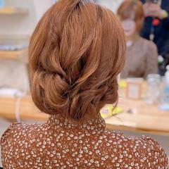 セミロング フェミニン ロープ編み ねじり ヘアスタイルや髪型の写真・画像