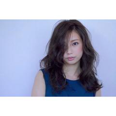 外国人風 ショート 暗髪 簡単ヘアアレンジ ヘアスタイルや髪型の写真・画像