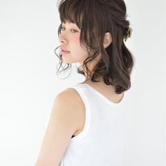 ミディアム ヘアアレンジ フェミニン ショート ヘアスタイルや髪型の写真・画像