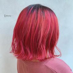ピンク アプリコットオレンジ オレンジカラー ミディアム ヘアスタイルや髪型の写真・画像