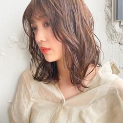 デジタルパーマ モテ髮シルエット ミディアムレイヤー アンニュイほつれヘア ヘアスタイルや髪型の写真・画像