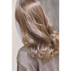 ハイトーン ブリーチカラー フェミニン ハイトーンカラー ヘアスタイルや髪型の写真・画像
