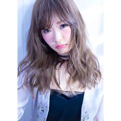 外国人風 小顔 アッシュ ゆるふわ ヘアスタイルや髪型の写真・画像