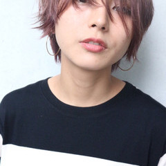 ハイトーン ショート モード グレージュ ヘアスタイルや髪型の写真・画像