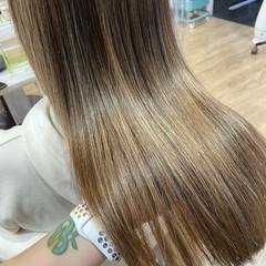 髪質改善カラー 艶髪 髪質改善 セミロング ヘアスタイルや髪型の写真・画像