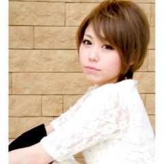 小顔 ショート ガーリー ハイトーン ヘアスタイルや髪型の写真・画像