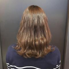 パーマ イルミナカラー 波ウェーブ 大人可愛い ヘアスタイルや髪型の写真・画像