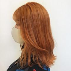 切りっぱなしボブ アプリコットオレンジ ブリーチオンカラー モード ヘアスタイルや髪型の写真・画像