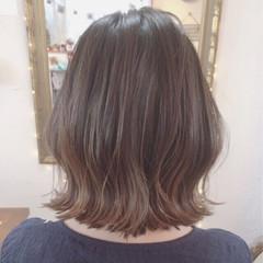 グレージュ インナーカラー ボブ ブリーチ ヘアスタイルや髪型の写真・画像