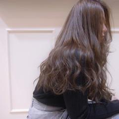 ナチュラル アッシュ ロング 大人ロング ヘアスタイルや髪型の写真・画像