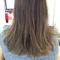 ミディアム グラデーションカラー ストリート ヘアスタイルや髪型の写真・画像