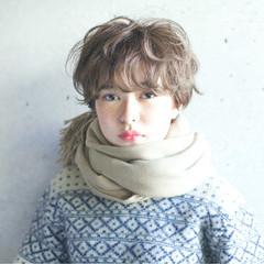 秋 ウェーブ 外国人風カラー アッシュ ヘアスタイルや髪型の写真・画像