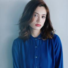 外国人風 大人女子 ミディアム 色気 ヘアスタイルや髪型の写真・画像