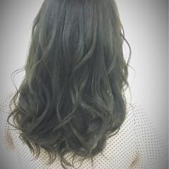 外国人風 ストリート セミロング くせ毛風 ヘアスタイルや髪型の写真・画像