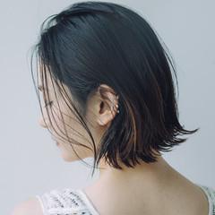 外ハネボブ 切りっぱなしボブ ナチュラル パーマ ヘアスタイルや髪型の写真・画像
