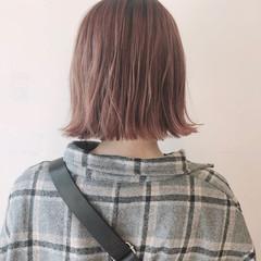 ミニボブ ピンクベージュ 小顔ショート ボブ ヘアスタイルや髪型の写真・画像