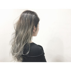 グラデーションカラー ロング パーマ ゆるふわ ヘアスタイルや髪型の写真・画像