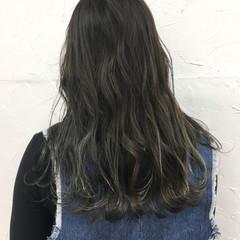 カーキアッシュ グレージュ ストリート 秋 ヘアスタイルや髪型の写真・画像