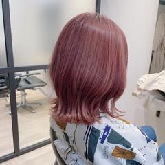 ボブ 大人可愛い ブリーチオンカラー フェミニン ヘアスタイルや髪型の写真・画像