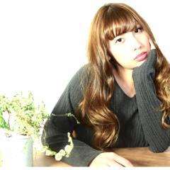 フェミニン ストリート アッシュベージュ 外国人風 ヘアスタイルや髪型の写真・画像