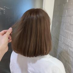 透明感 ベージュ ハイトーン ボブ ヘアスタイルや髪型の写真・画像
