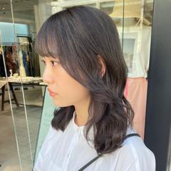透明感カラー 韓国ヘア 巻き髪 グレージュ ヘアスタイルや髪型の写真・画像