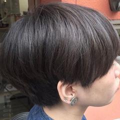 グレーアッシュ ナチュラル ショート カーキアッシュ ヘアスタイルや髪型の写真・画像