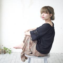 ショート ラフ キュート フェミニン ヘアスタイルや髪型の写真・画像