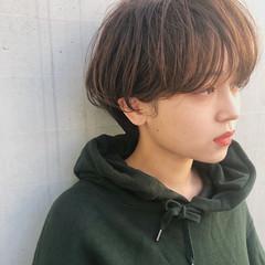 ナチュラル ショートヘア ゆるふわパーマ マッシュショート ヘアスタイルや髪型の写真・画像