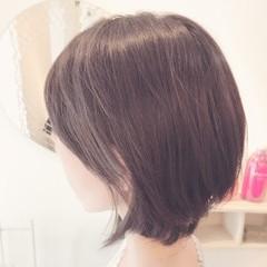 アディクシーカラー ボブ フェミニン グレージュ ヘアスタイルや髪型の写真・画像