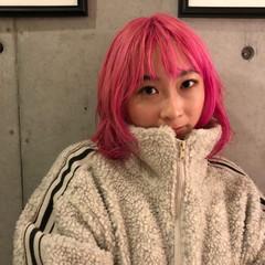 ブリーチオンカラー ピンク ベリーピンク ホワイトブリーチ ヘアスタイルや髪型の写真・画像