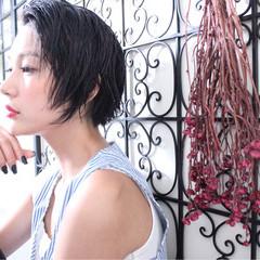 アンニュイ ショートボブ ウェーブ ナチュラル ヘアスタイルや髪型の写真・画像