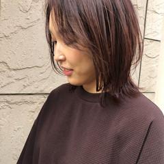 ストリート ミディアムヘアー ミディアム レッドカラー ヘアスタイルや髪型の写真・画像
