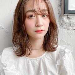 ミディアム ウルフカット デジタルパーマ 外ハネ ヘアスタイルや髪型の写真・画像
