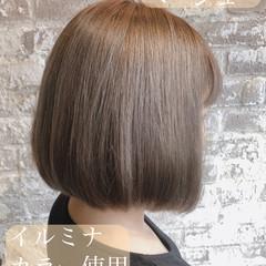 ボブ ミルクティーベージュ デート ブリーチオンカラー ヘアスタイルや髪型の写真・画像