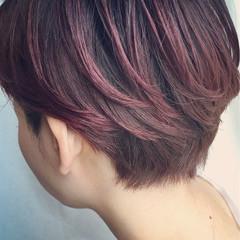 ベリーピンク レッド モード グラデーションカラー ヘアスタイルや髪型の写真・画像