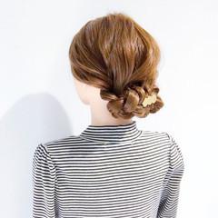 簡単ヘアアレンジ 上品 オフィス ロング ヘアスタイルや髪型の写真・画像