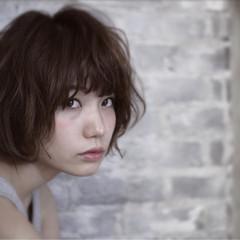 黒髪 レイヤーカット ナチュラル パーマ ヘアスタイルや髪型の写真・画像