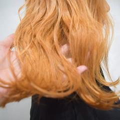 オレンジ ナチュラル オレンジベージュ アプリコットオレンジ ヘアスタイルや髪型の写真・画像
