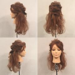 ヘアアレンジ セミロング ハーフアップ 波ウェーブ ヘアスタイルや髪型の写真・画像