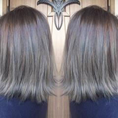 アッシュベージュ ストリート ボブ 切りっぱなし ヘアスタイルや髪型の写真・画像